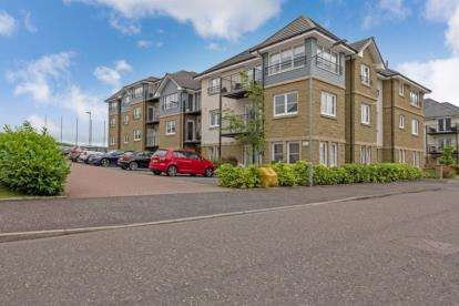 2 Bedrooms Flat for sale in Maurice Wynd, Dunblane