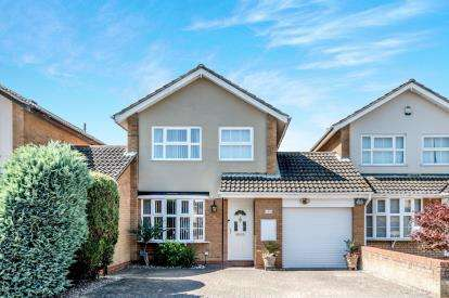 3 Bedrooms Link Detached House for sale in Hamble Road, Bedford, Bedfordshire