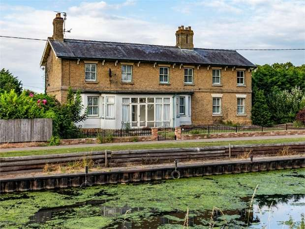 4 Bedrooms Detached House for sale in Nene Parade, Benwick, March, Cambridgeshire