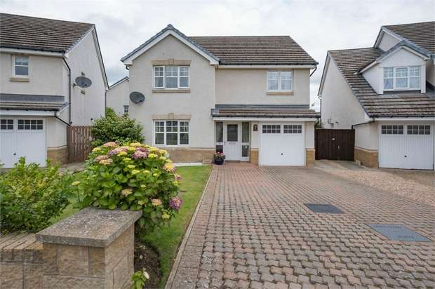 4 Bedrooms Detached House for sale in Lethnot Green, Carnoustie, Angus