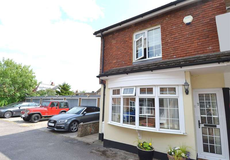2 Bedrooms Semi Detached House for sale in Tankerton Mews, Tankerton, Whitstable