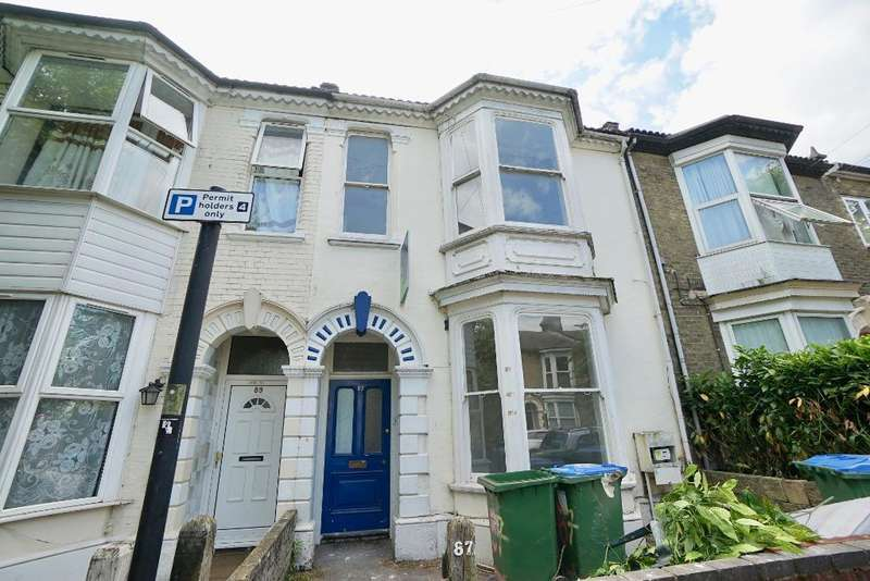 6 Bedrooms Terraced House for rent in Cranbury Avenue, Southampton, SO14 0LS