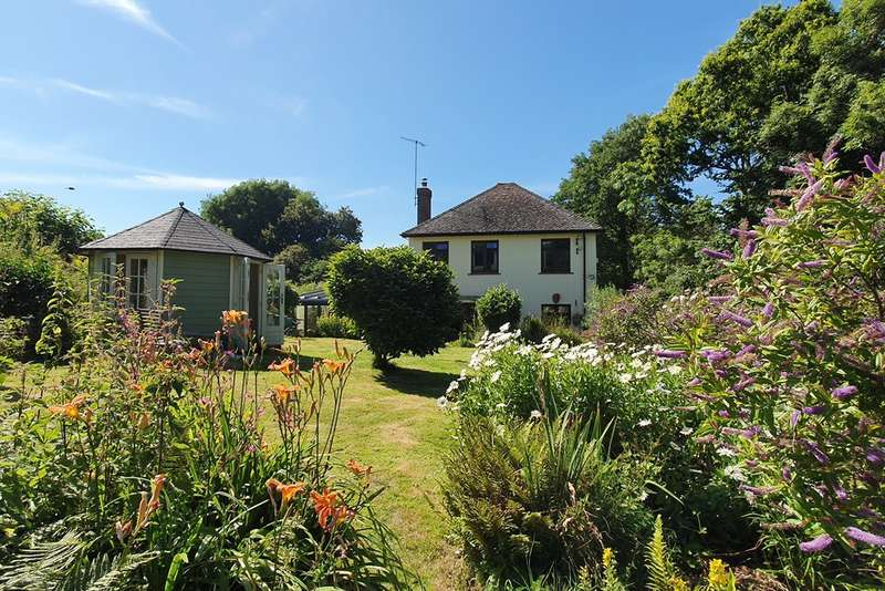 3 Bedrooms Detached House for sale in Bridport