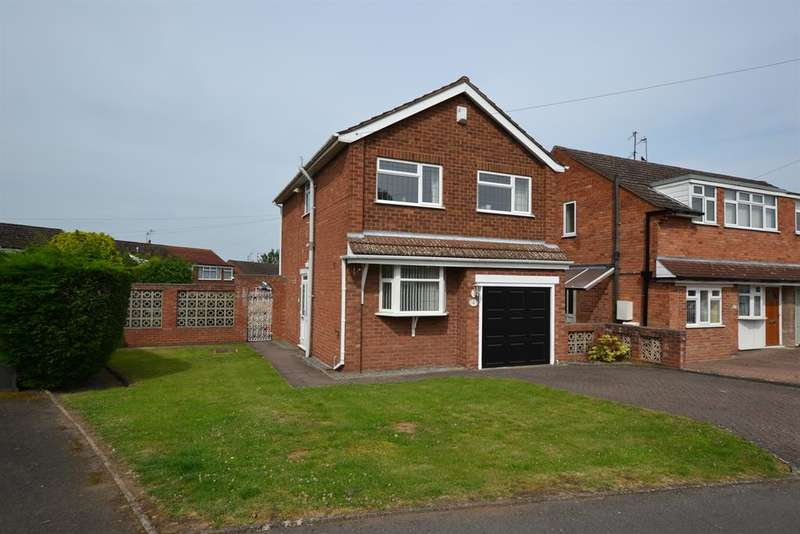 3 Bedrooms Detached House for sale in Greenways, Halesowen, B63 2JT