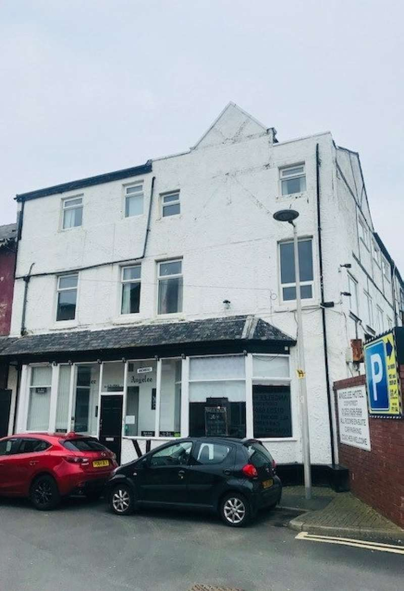19 Bedrooms Hotel Gust House for sale in Coop Street, Blackpool, FY1 5AJ