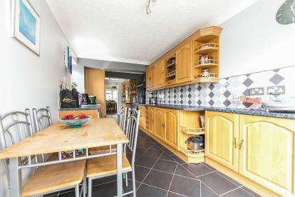5 Bedrooms Detached House for sale in Leavenheath, Suffolk, Colchester