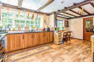 4 Bedrooms Detached House for sale in Chapel Lane, Hempstead, Rainham, Kent