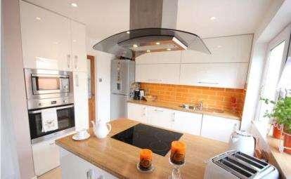 2 Bedrooms Terraced House for sale in Satchfield Crescent, Henbury, Bristol