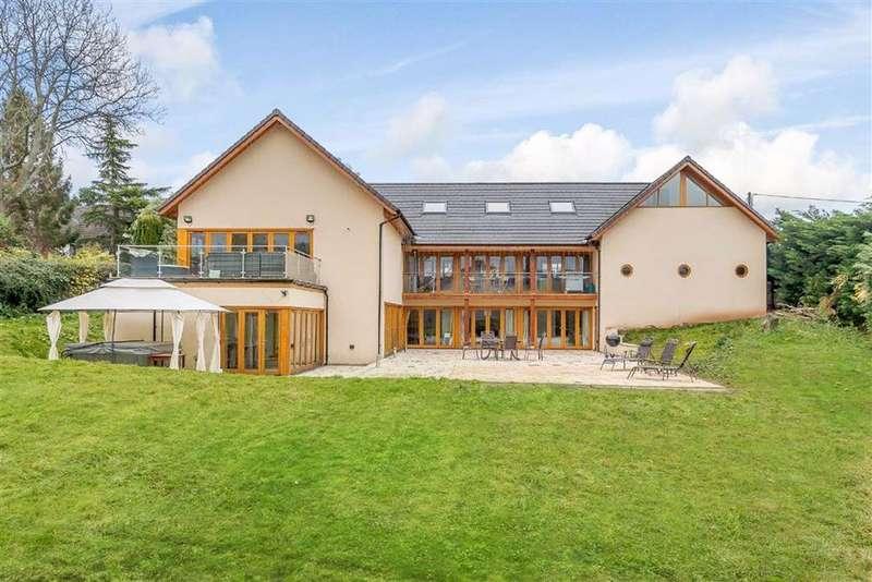 7 Bedrooms Detached House for sale in Lower Road, Llandevaud, Newport