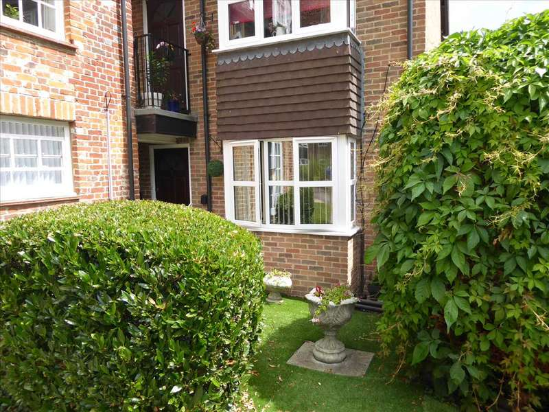 1 Bedroom Retirement Property for sale in Southcote Lodge, Burghfield Road, Reading