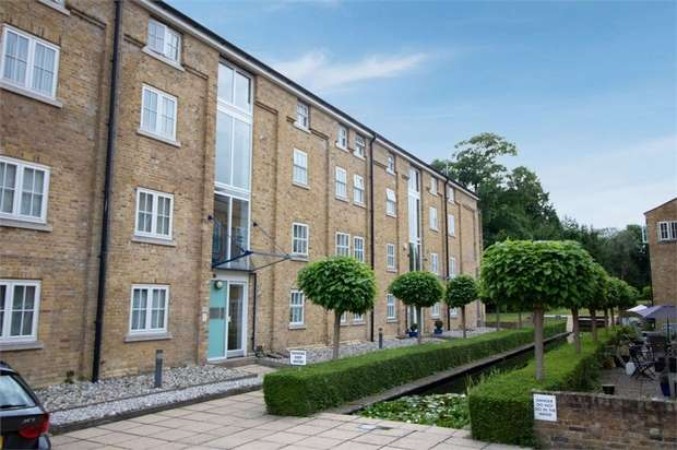 3 Bedrooms Flat for sale in Mill Race, River, Dover, Kent