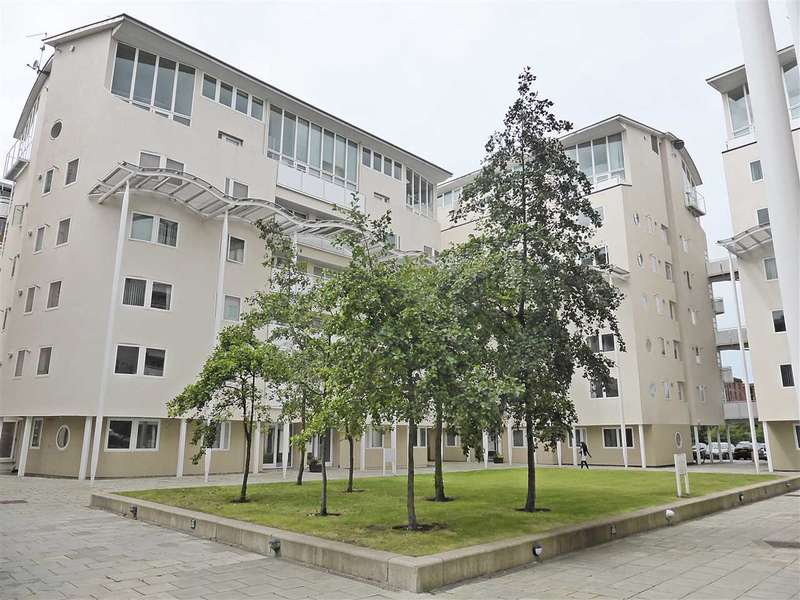3 Bedrooms Apartment Flat for rent in Apartment 141, 5 Royal Quay, Liverpool