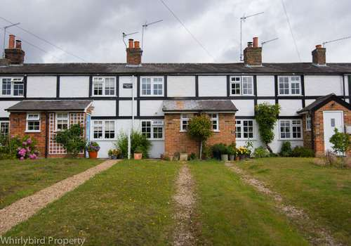 2 Bedrooms Terraced House for rent in High Road, Cookham, Berkshire, SL6 9HY
