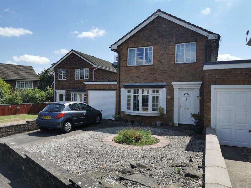 3 Bedrooms Detached House for sale in Croesonen Parc, Abergavenny