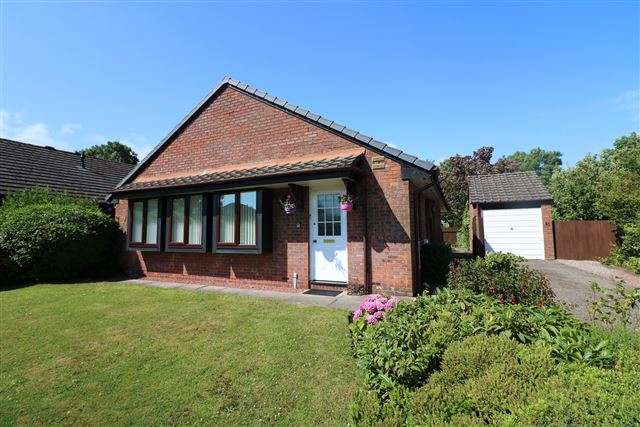 3 Bedrooms Bungalow for sale in Moorville Drive, Carlisle, Cumbria, CA3 0AN