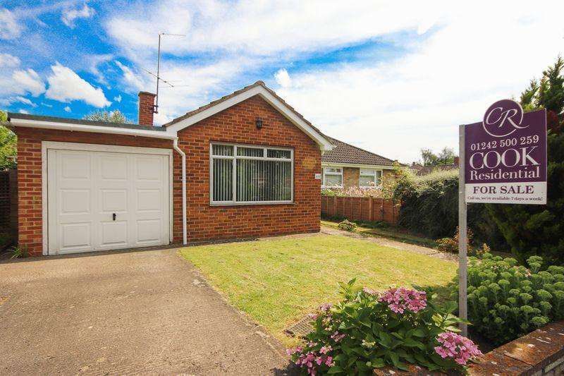 3 Bedrooms Semi Detached Bungalow for sale in Stanway Road, Cheltenham