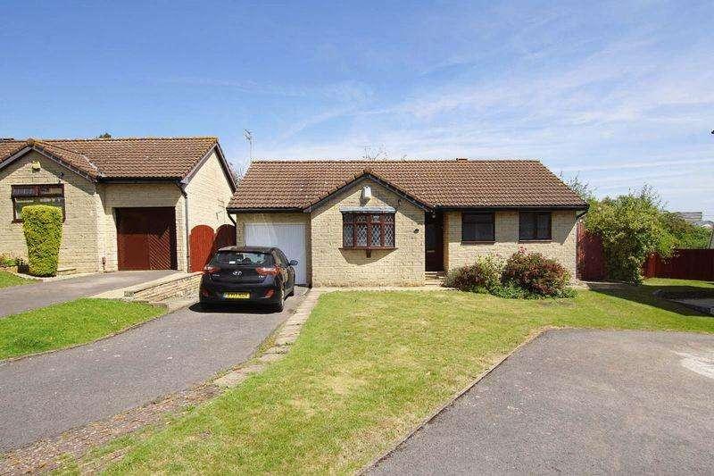 2 Bedrooms Detached Bungalow for sale in Cottington Court, Bristol, BS15 3SJ