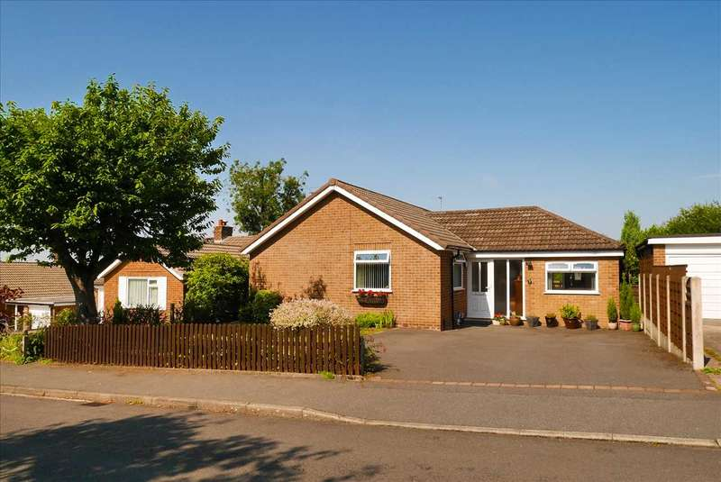 4 Bedrooms Detached Bungalow for sale in Bollinbarn Drive, Macclesfield