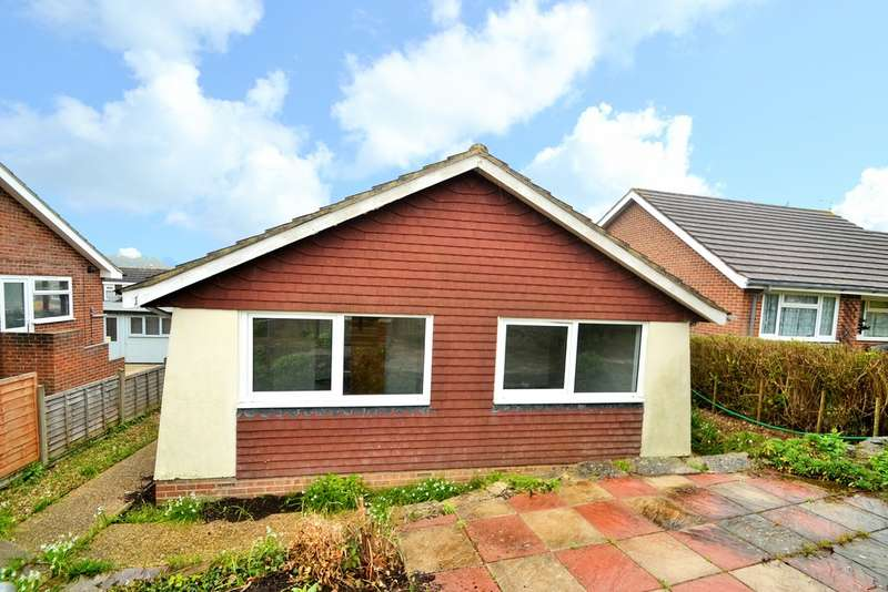 2 Bedrooms Detached Bungalow for sale in Pellview Close, Ryde