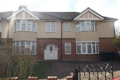 5 Bedrooms House for rent in Kempston, MK42