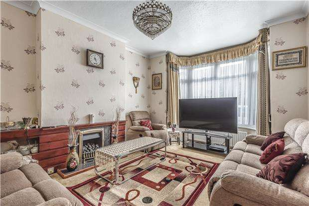 4 Bedrooms Terraced House for sale in Melrose Avenue, Mitcham, Surrey, CR4