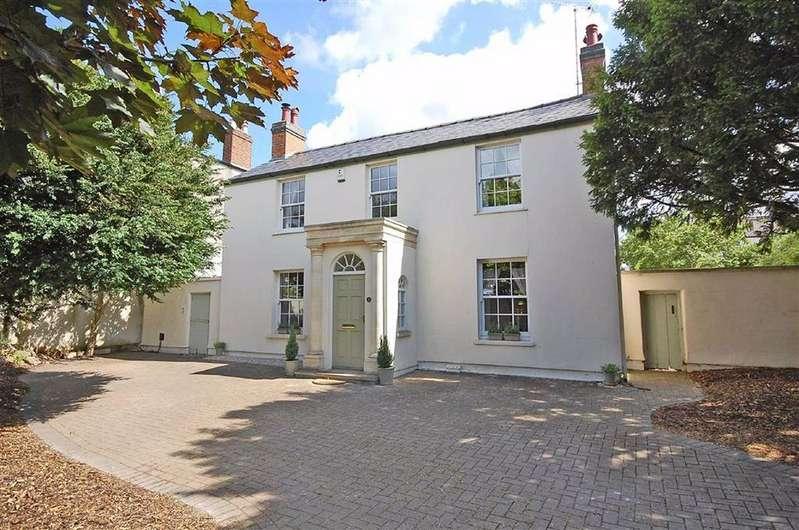 4 Bedrooms Detached House for sale in London Road, Charlton Kings, Cheltenham, GL52