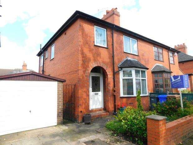 3 Bedrooms Semi Detached House for sale in Osbourne Road, Stoke-On-Trent