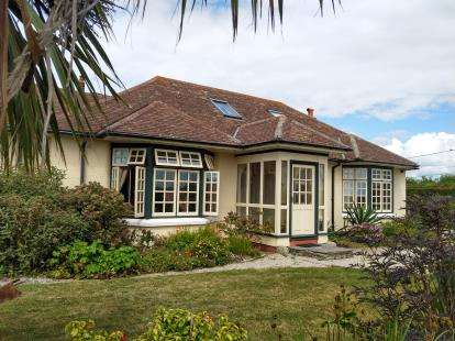 5 Bedrooms Bungalow for sale in The Lizard, Helston, Cornwall
