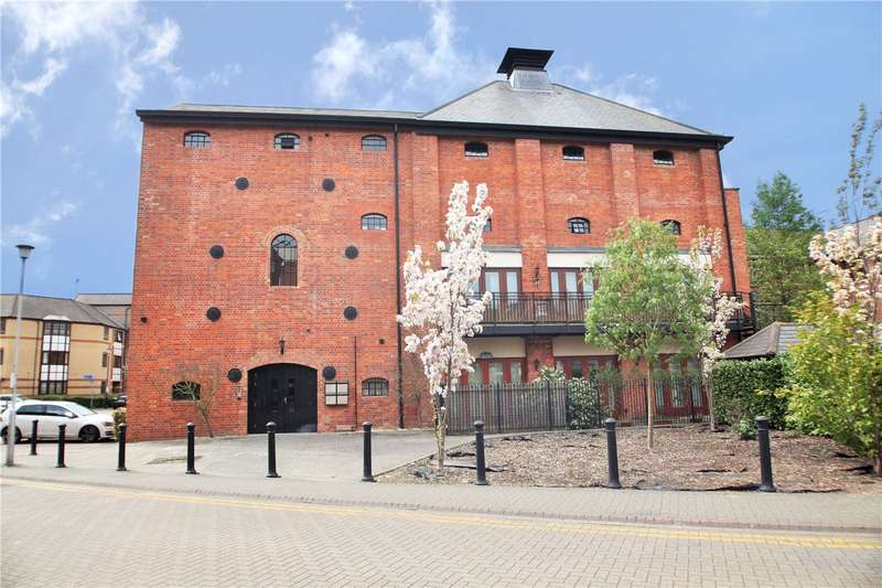 2 Bedrooms Flat for rent in Simmonds Malthouse, Fobney Street, Reading, Berkshire, RG1