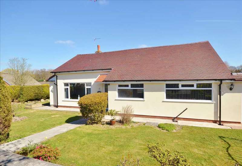 3 Bedrooms Detached Bungalow for sale in Glamis Drive, Chorley
