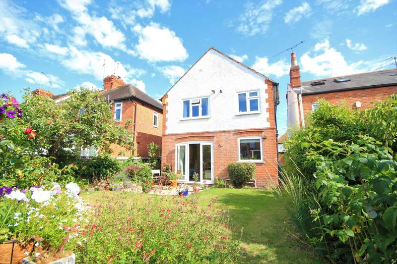 3 Bedrooms Detached House for sale in Adelaide Road, Reading, RG6