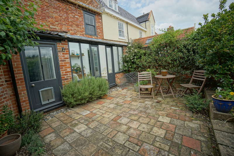 4 Bedrooms Semi Detached House for sale in Kings Dam, Gillingham, Beccles