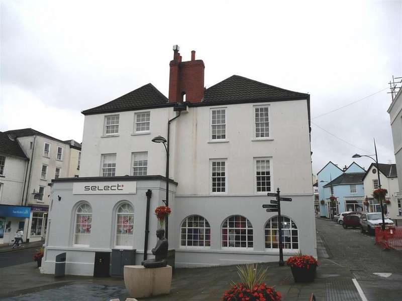 2 Bedrooms Apartment Flat for sale in Bank Street, Chepstow