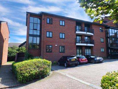 3 Bedrooms Flat for sale in Priory Wharf, Birkenhead, Merseyside, CH41
