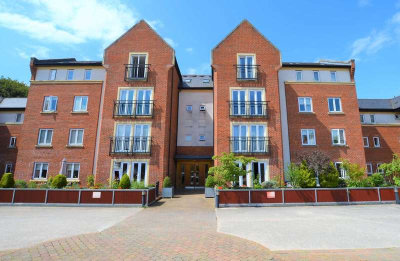 2 Bedrooms Apartment Flat for sale in Whielden Street, Old Amersham HP7