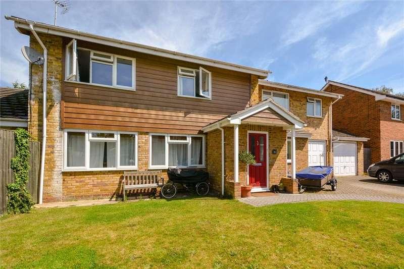 5 Bedrooms Detached House for sale in Eastheath Gardens, Wokingham, Berkshire, RG41