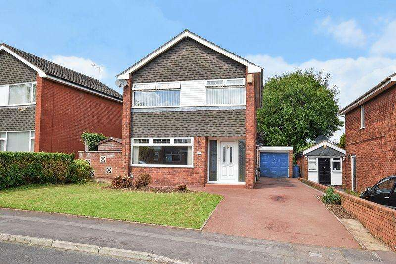 3 Bedrooms Detached House for sale in Pickerings Close, Higher Runcorn