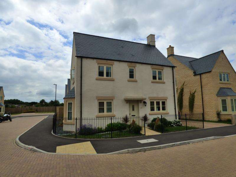 4 Bedrooms Property for sale in Old Railway Close, Lechlade