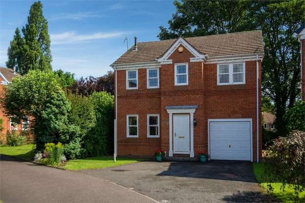 4 Bedrooms Detached House for sale in Clifford Close, Chesterfield, Derbyshire
