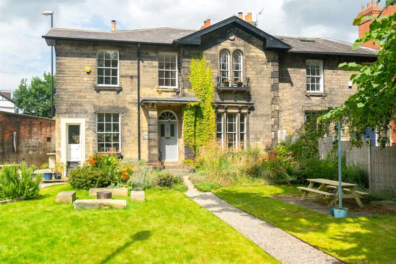 4 Bedrooms Semi Detached House for sale in St. Michaels Road, Leeds, West Yorkshire, LS6