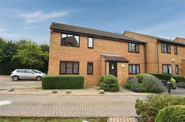 1 Bedroom Flat for sale in Knaves Hollow, Wooburn Moor, High Wycombe, Buckinghamshire