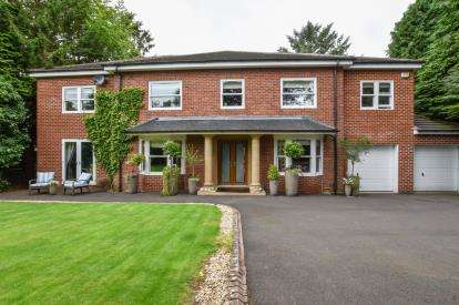 5 Bedrooms Detached House for sale in Runnymede Road, Darras Hall, Ponteland, Northumberland, NE20