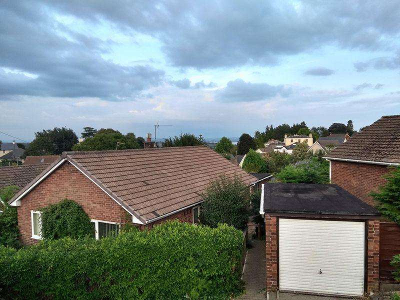 3 Bedrooms Bungalow for sale in Fitzosborn Close, Chepstow