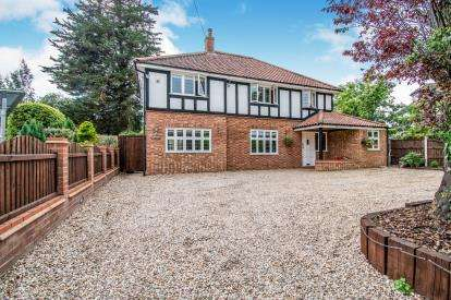 6 Bedrooms Detached House for sale in Norwich, Norfolk