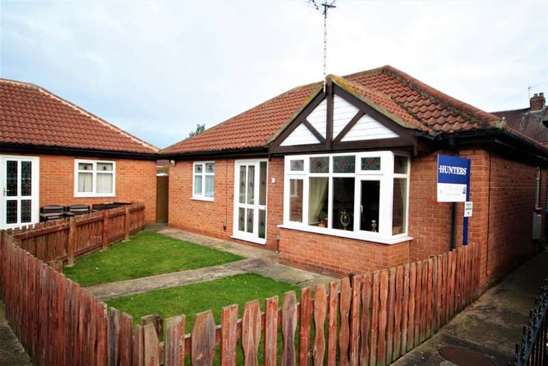 2 Bedrooms Detached Bungalow for sale in Victoria Gardens, Middlesbrough, TS3 0LN