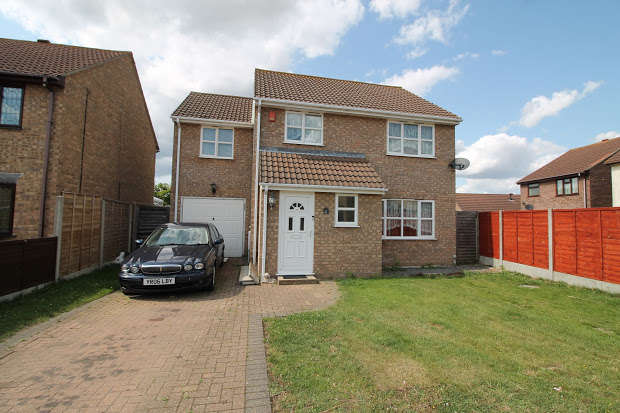4 Bedrooms Property for sale in Hampstead Avenue, Clacton-on-sea, CO16