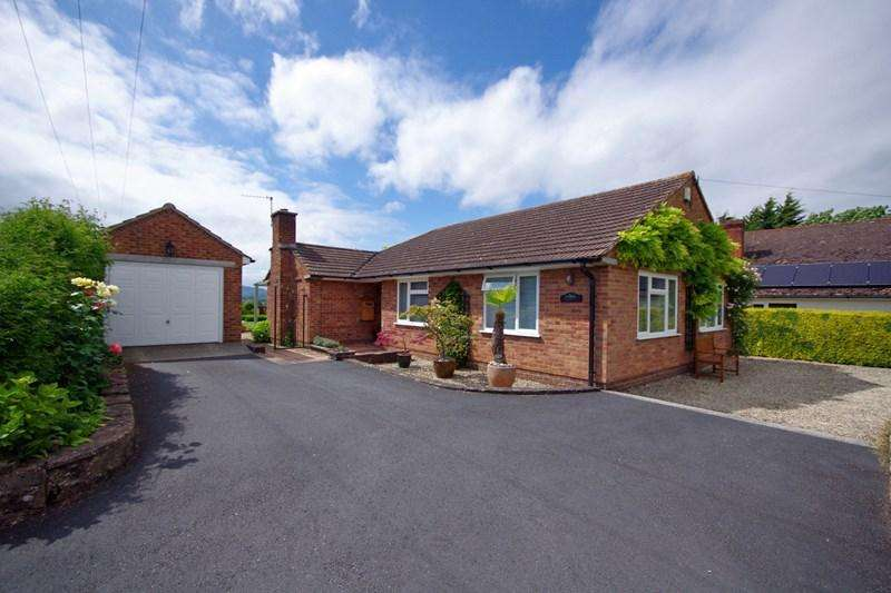 3 Bedrooms Bungalow for sale in Oakle Street, Churcham, Gloucester, Gloucestershire, GL2