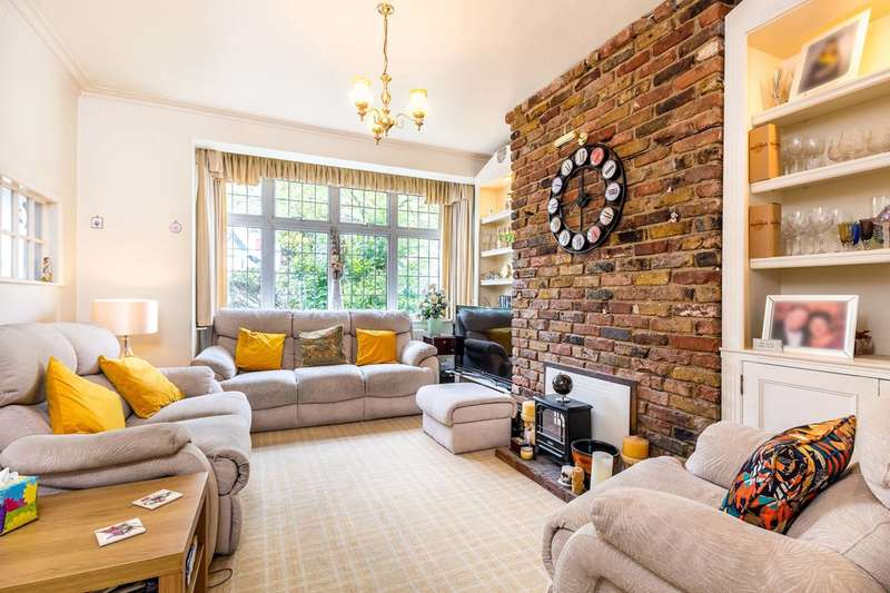 4 Bedrooms Semi Detached House for sale in Beaconsfield Road, Bickley, BR1