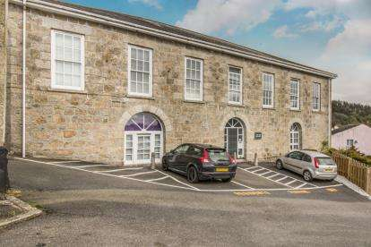 2 Bedrooms Flat for sale in Fore Street, Par, St. Austell