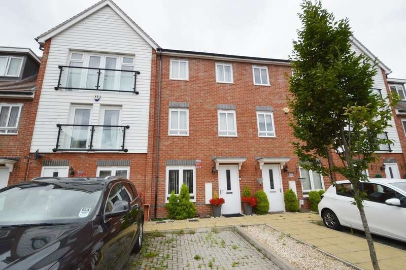 4 Bedrooms Terraced House for sale in Chadwick Road, Langley, SL3